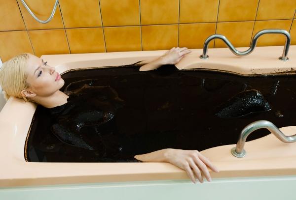 Лечебная грязь: ванны и обертывание