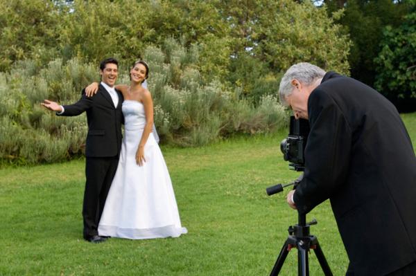 Выбор фотографа на свадьбу: советы и рекомендации